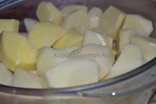 Нарежем картошку крупно