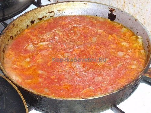 Добавим томатную пасту