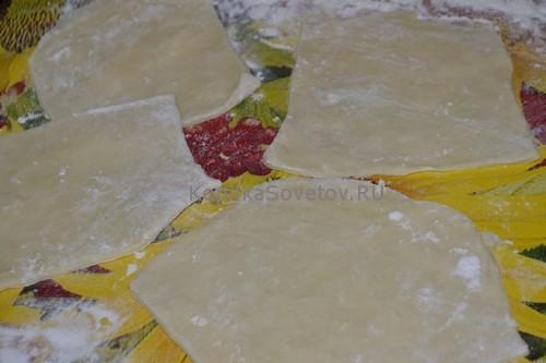 Раскатаем и разрежем тесто