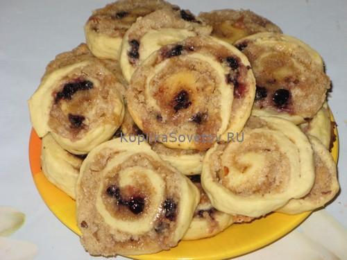 Печенье с орехами и ягодами